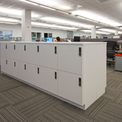 Workplace Laminate workbar with lockers