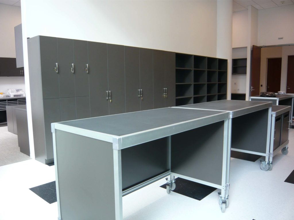 Workplace Storage, lockers and islands for collaboration